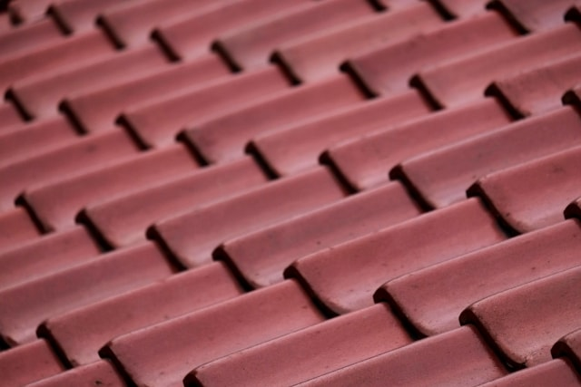屋根の素材を選ぶ前に知っておきたい7つのポイント