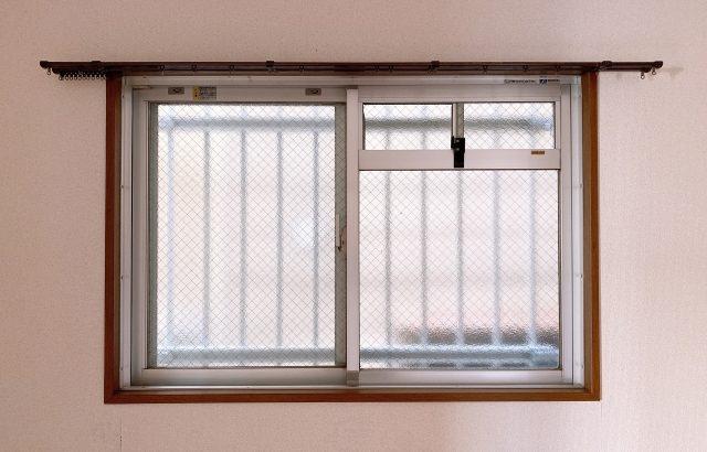 格子窓とは?防犯性能を高める面格子の種類やメリット・デメリットについて解説