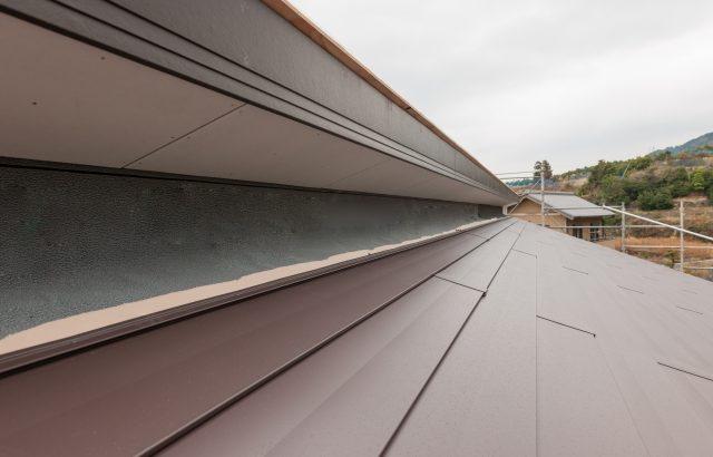 ガルバリウム鋼板屋根のメリット・デメリットとリフォーム費用の相場を解説